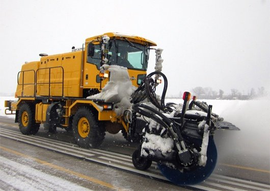 Oshkosh Snow Products H-Series XF Broom United Broom Test