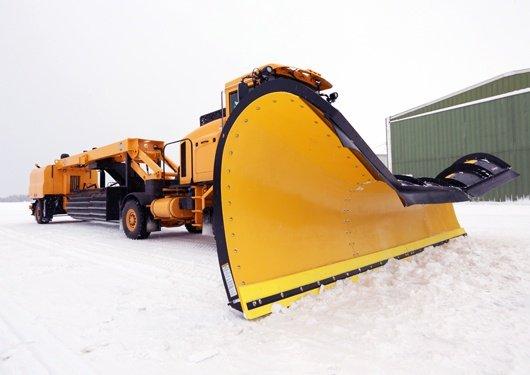 Oshkosh Snow Products XT Tow Behind Broom 4