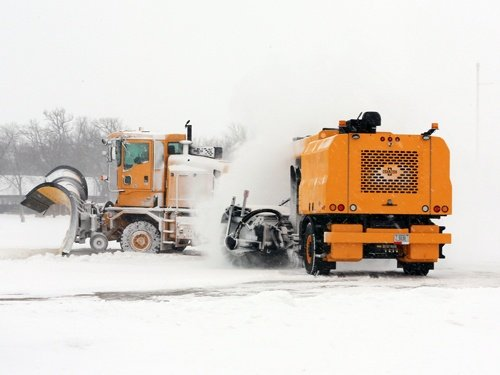 Oshkosh Snow Products HT Tractor 3